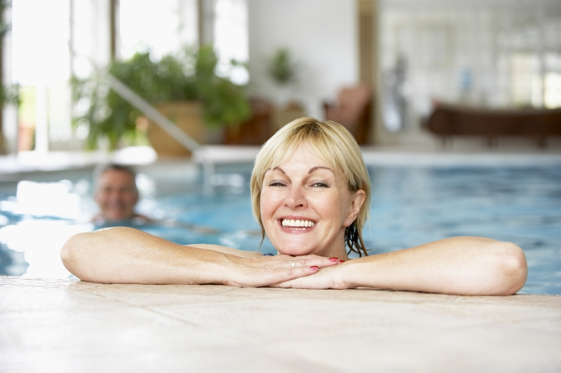 2173872-middle-aged-couple-in-swimming-pool